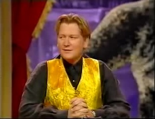 File:Thats showbusiness mike smith gold waistcoat.jpg