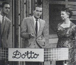 Image:Dotto host and contestants.jpg