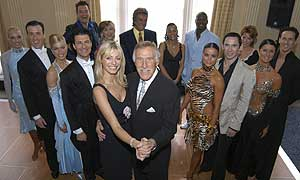 Image:Strictly come dancing series 1 cast.jpg