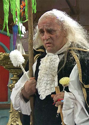 File:Seeitsawit chamberlain sylvestermccoy.jpg